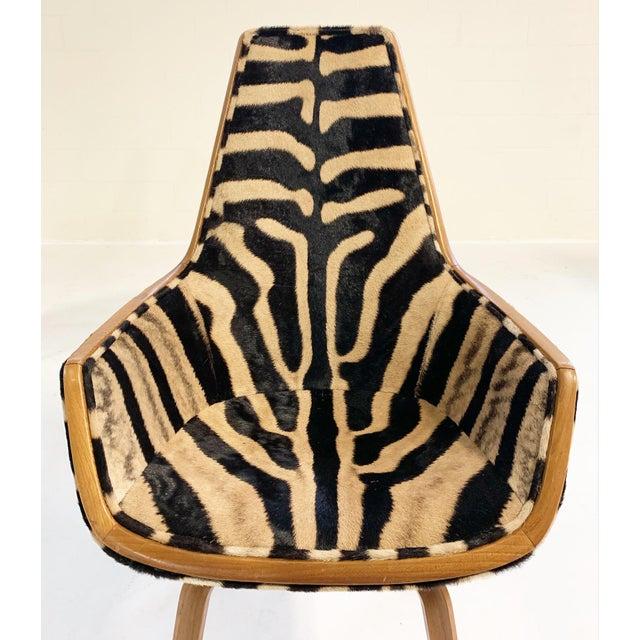 Rare Arne Jacobsen for Fritz Hansen Giraffe Chairs Restored in Zebra Hide - Pair For Sale - Image 10 of 11