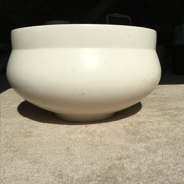 Contemporary White David Cressey Architectural Pot For Sale - Image 3 of 9