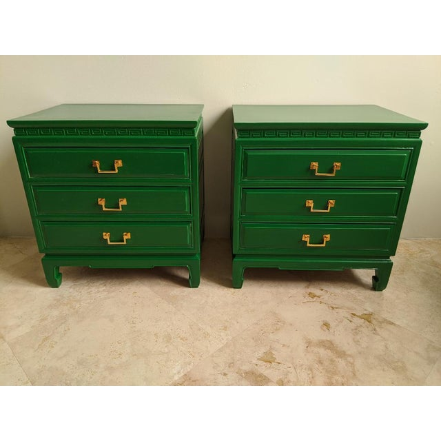 Green 1940s Vintage Green Gloss Chinoiserie Nightstands-a Pair For Sale - Image 8 of 8