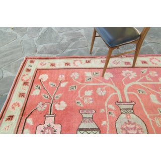 House of Séance - 1920s Vintage Samarkand Khotan Salmon Mint Floral Vases Wool Hand-Knotted Rug - 4′10″ × 8′ Preview