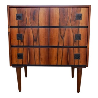 Danish Modern Dresser in Rosewood For Sale