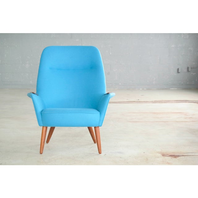 Mid-Century Modern Danish 1950s Lounge Chair with Teak Armrests Upholstered in Kvadrat Divino Wool For Sale - Image 3 of 11