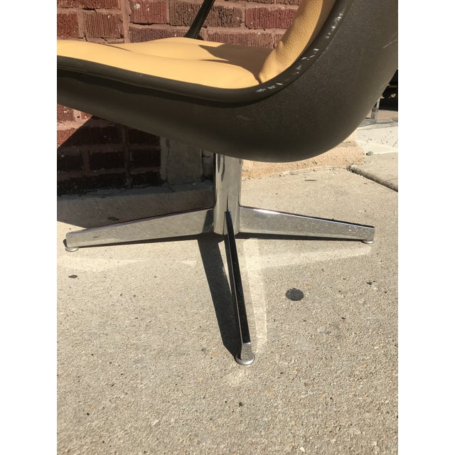 1960s Mid Century Modern Steelcase Tan Leather Swivel Office Chair Newly Upholstered For Sale - Image 5 of 8