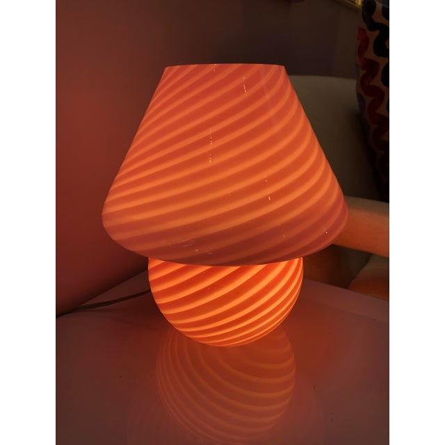 Mid-century Italian Murano glass lamp by Venini. Excellent condition, perfect for a desk, side table or nightstand.