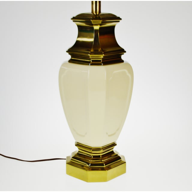 Stiffel Vintage Stiffel Porcelain & Brass Table Lamp For Sale - Image 4 of 10
