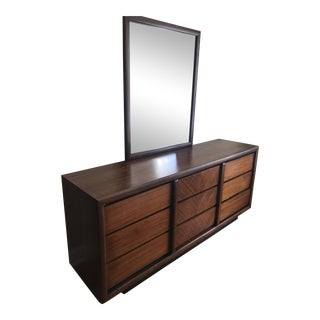 1960s Lane Co. Mid-Century Modern Dresser With Mirror For Sale