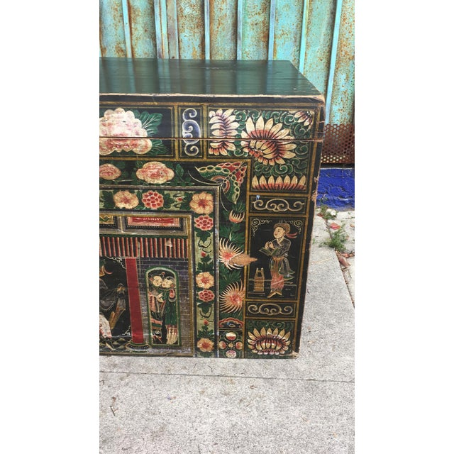 Antique Early 20th Century Chinese Floral Trunk For Sale - Image 9 of 10