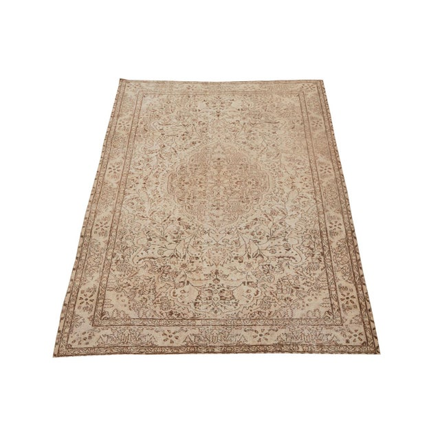 "Early 21st Century Vintage Turkish Hand Knotted Rug - 9'10"" x 6'4"" For Sale - Image 5 of 5"