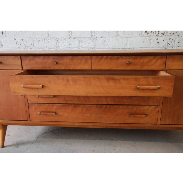 Brown Renzo Rutili for Johnson Furniture Co. Mid-Century Modern Sideboard Credenza For Sale - Image 8 of 13