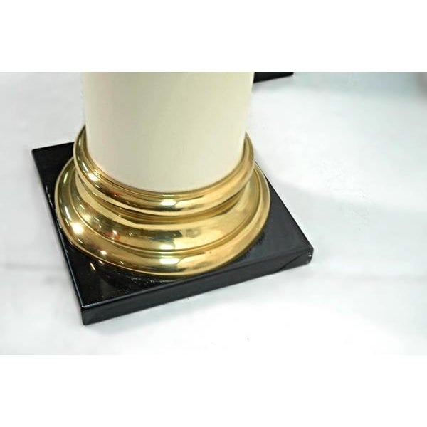 Mastercraft Mid-Century Modern Lacquer Brass Pedestal Tables - A Pair For Sale In New York - Image 6 of 9