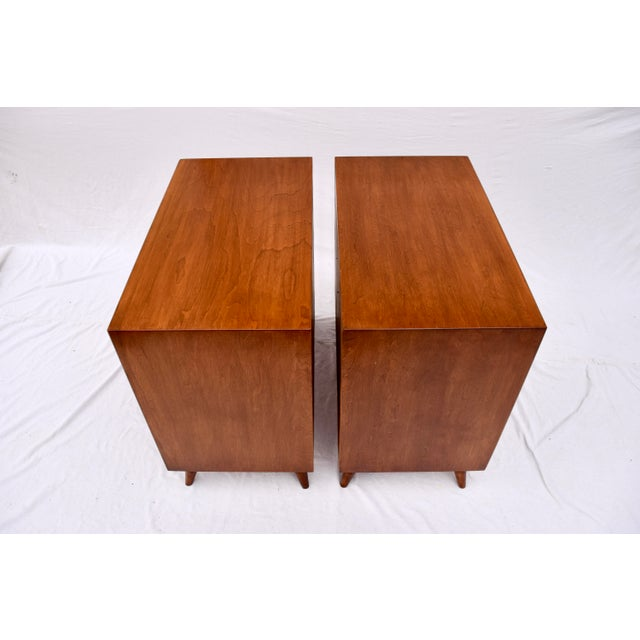 John Stuart 1950's John Stuart Bachelor Chests, Pair For Sale - Image 4 of 12