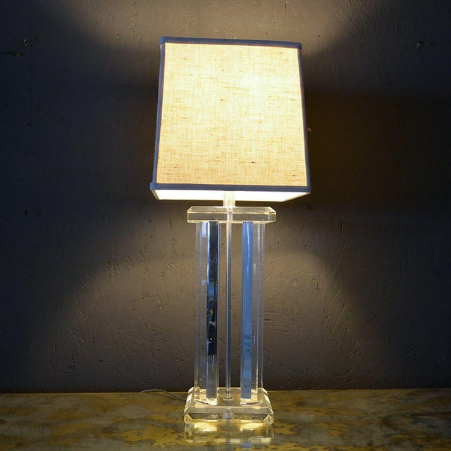 Mid Century Modern Lucite Table Lamp Style of Charles Hollis Jones For Sale - Image 9 of 12