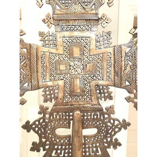 Metal Mid 20th Century Large Ethiopian Coptic Processional Metal Cross on Black Metal Stand For Sale - Image 7 of 13