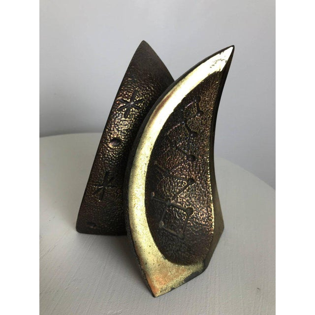 Modernist Brass Sculptural Bookends by Ben Seibel for Jenfredware, Raymor, Pair For Sale - Image 11 of 12