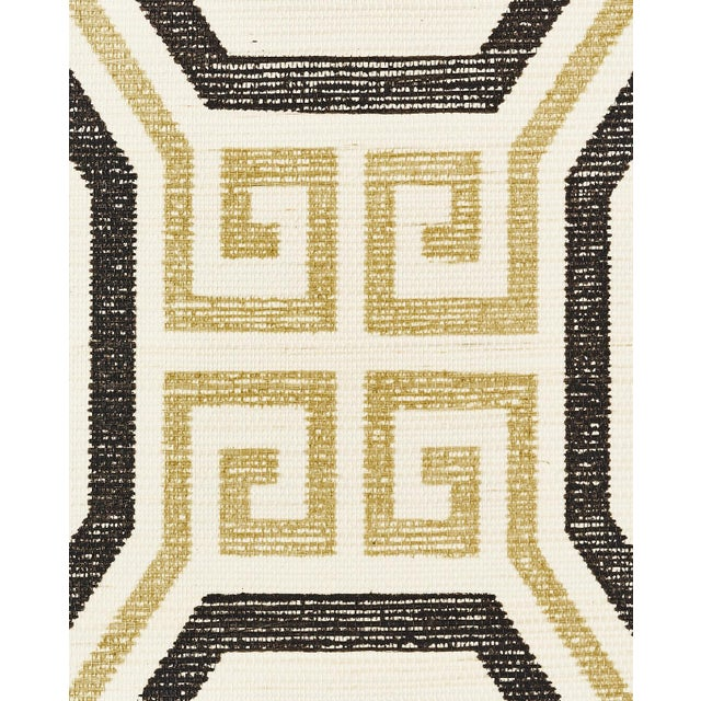 Contemporary Schumacher Octavia Sisal Wallpaper in Gold & Jet For Sale - Image 3 of 4