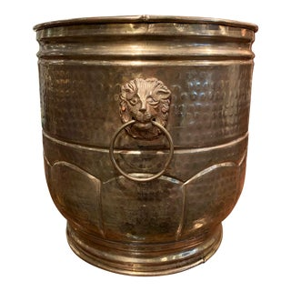 Early 20th Century French Brass Basket or Planter With Lion Head Handles For Sale
