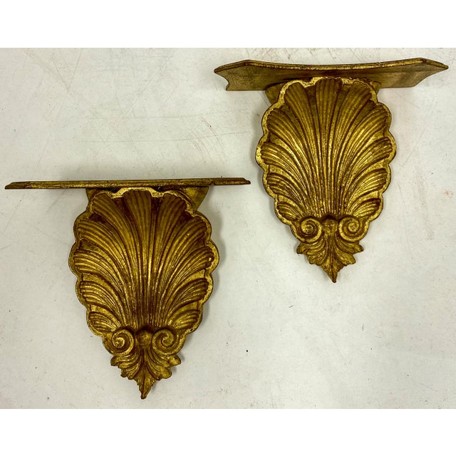 Hollywood Regency Pair of Large Scale Carved Giltwood Shell Wall Brackets For Sale - Image 3 of 6