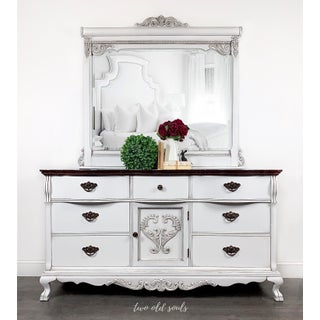 1980s Lexington 9 Drawer Dresser and Mirror - 2 Pieces Preview