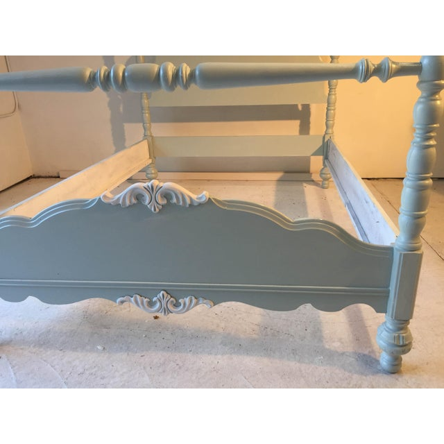 Green Cottage Country Style Antique Double Size White Bed For Sale - Image 8 of 9