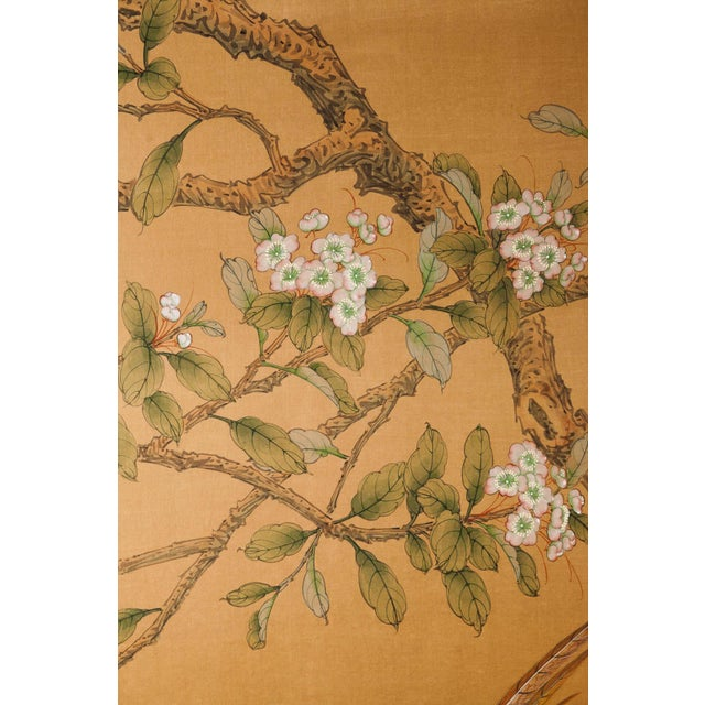 1990s Sung Tze-Chin Large Chinoiserie Hanging Screen Ink on Silk Birds and Flowers Scene 9 Feet Wide by 7 Feet Height For Sale - Image 5 of 13