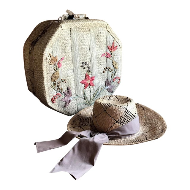 1970s Straw Hat and Woven Hat Box, Boho Fashion For Sale