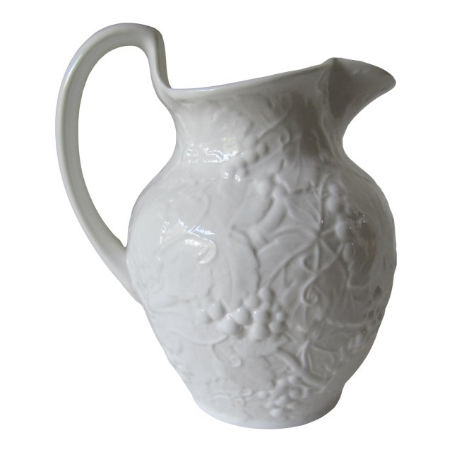Wedgewood Strawberry & Vine Pitcher For Sale