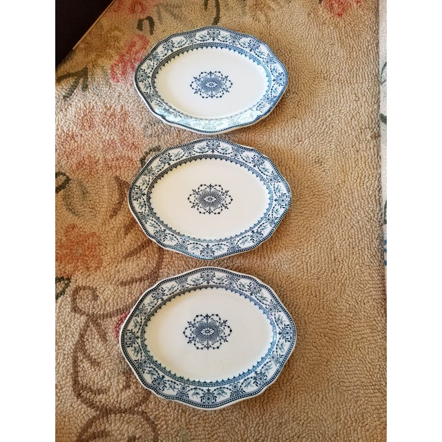 "Ceramic Set of Three Wedgwood ""Raphael"" Platters For Sale - Image 7 of 7"