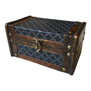 20th Century Traditional Wooden Box For Sale