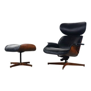 Mr. Chair Bentwood Lounge Chair & Ottoman for Plycraft by George Mulhauser in Walnut w/ Original Black Upholstery, USA For Sale