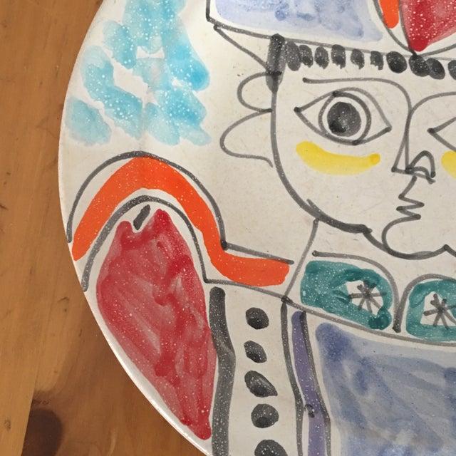 "DeSimone DeSimone Mi- Century 10 "" Pottery Charger For Sale - Image 4 of 10"