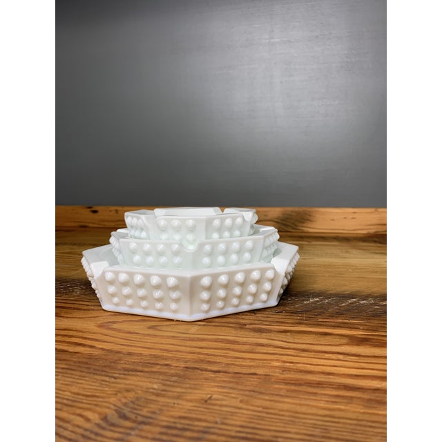 1950s Hobnail Geometric Ashtray Bowls - Set of 3 For Sale - Image 5 of 11