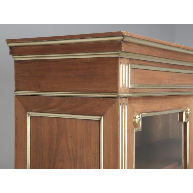 Early 20th Century Antique French Louis XVI Mahogany Bookcase For Sale - Image 5 of 12