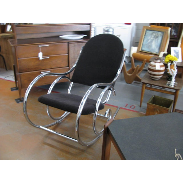 1970s Mid-Centuru Modern Curvaceous Upholstered Chrome Rocking Chair - Image 6 of 10
