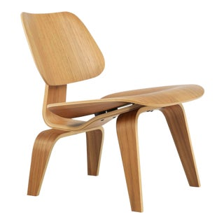 Modern Herman Miller Eames Molded Plywood Lounge Chair For Sale