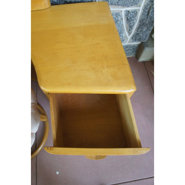 Tan Heywood Wakefield Rio Champagne Maple Vanity & Stool For Sale - Image 8 of 11