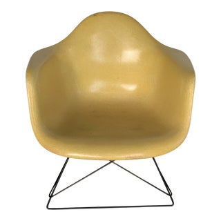 1950s Vintage Zenith Eames Armshell For Sale
