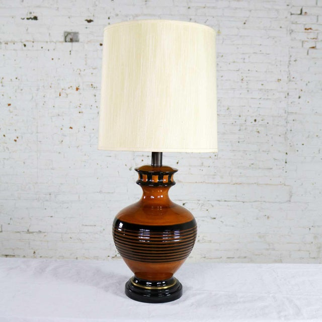 Large Brown and Black Mid Century Modern Bulbous Ceramic Lamp For Sale - Image 13 of 13