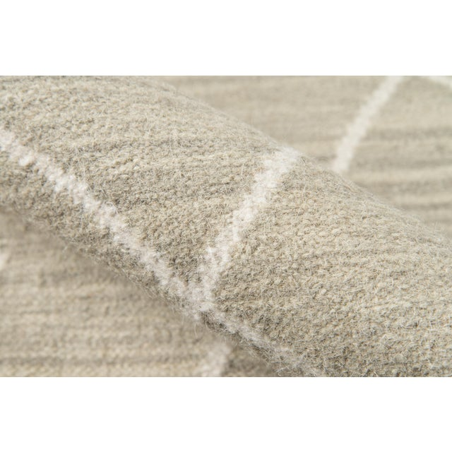 "Contemporary Erin Gates by Momeni Thompson Appleton Sage Hand Woven Wool Area Rug - 5' X 7'6"" For Sale - Image 3 of 6"