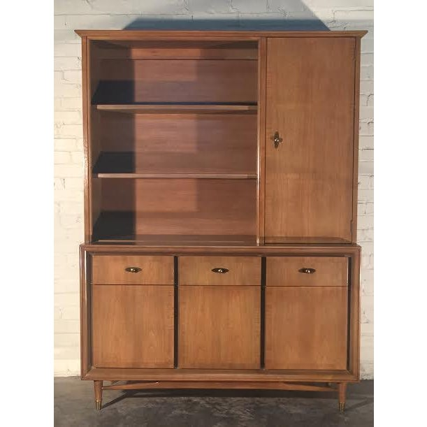 Mid-Century Modern China Cabinet by Kroehler - Image 3 of 9