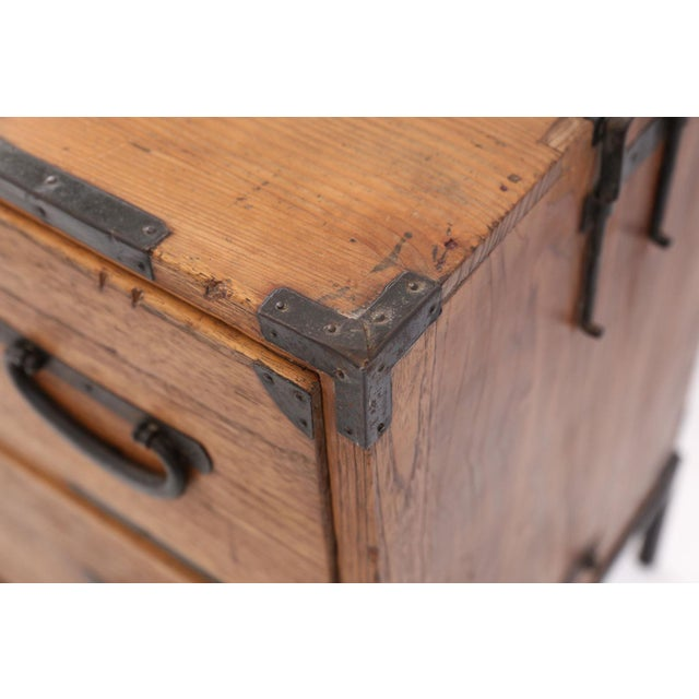 Late 19th Century Pair of Tansu Bedside Tables For Sale - Image 5 of 13