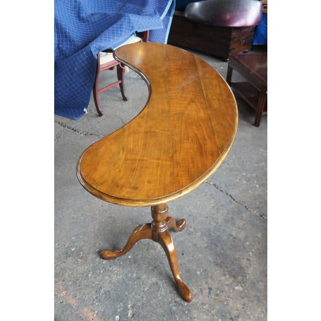 Queen Anne Traditional Baker Furniture Walnut Kidney Bean Writing Desk/Console Table For Sale - Image 3 of 13