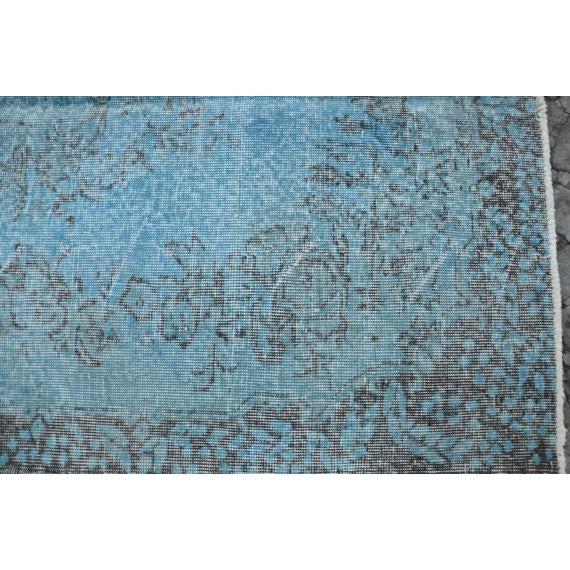 Art Nouveau Turkish Handwoven Blue Antique Oushak Rug -- 3′11″ × 7′1″ For Sale - Image 3 of 5