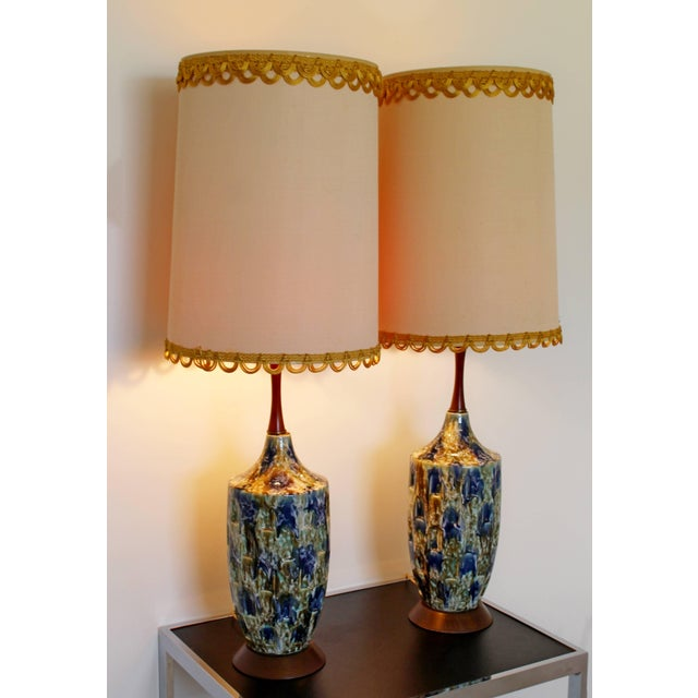 Mid-Century Modern 1960s Mid-Century Modern Blue Drip Lava Glaze Ceramic Table Lamps - a Pair For Sale - Image 3 of 8