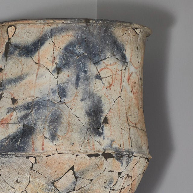 Blackware Urn From the North East Khorat Plateau For Sale - Image 4 of 5