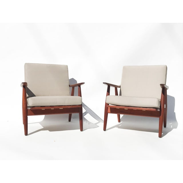 "Sand 1950s Hans J Wegner ""Getama 270"" Easy Chairs - a Pair For Sale - Image 8 of 8"