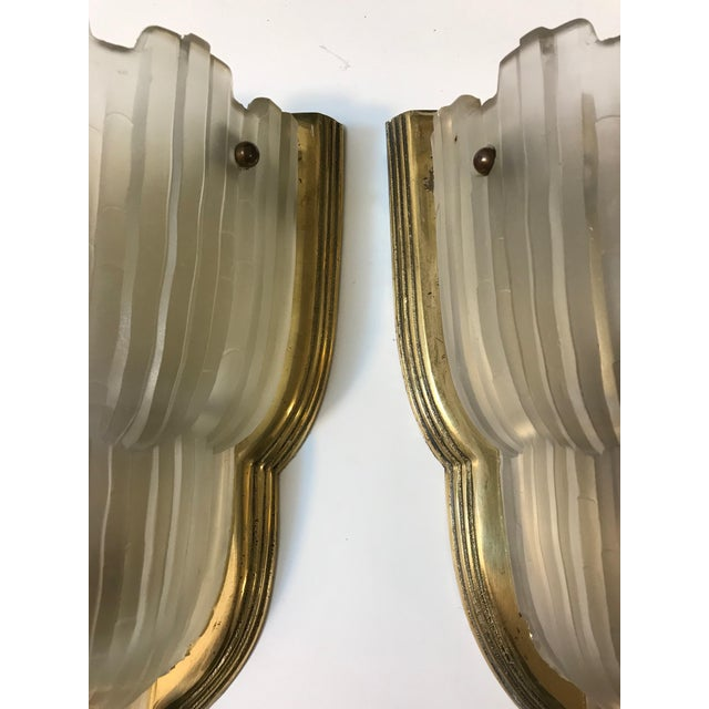 "French Art Deco ""Waterfall"" Sconces Signed by Sabino - Set of 4 For Sale In New York - Image 6 of 13"