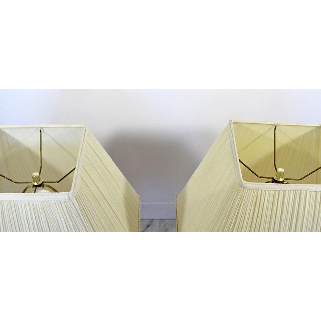 Hollywood Regency Mid-Century Modern Sciolari Brass & Glass Rod Table Lamps, 1970s Italian - a Pair For Sale - Image 3 of 6
