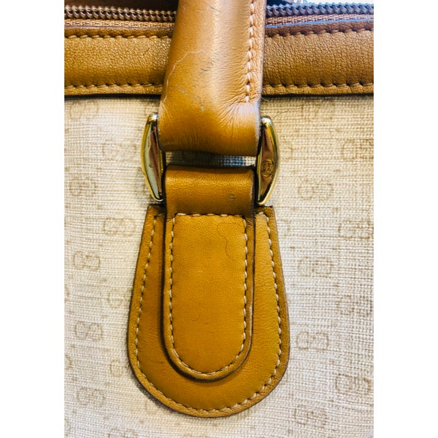 Tan 1980s Gucci Canvas Logo Satchel For Sale - Image 8 of 13