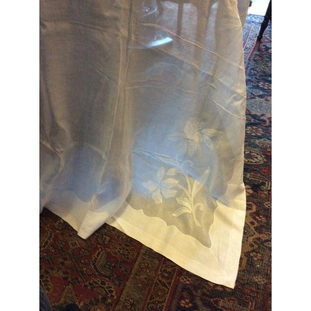 Transitional Antique Appliquéd Linen Tablecloth & Napkins - Set of 13 For Sale - Image 3 of 13