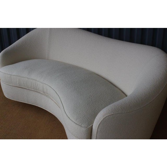 Knoll Modern Curved Boucle Sofa, Italy, 1960s For Sale - Image 4 of 13